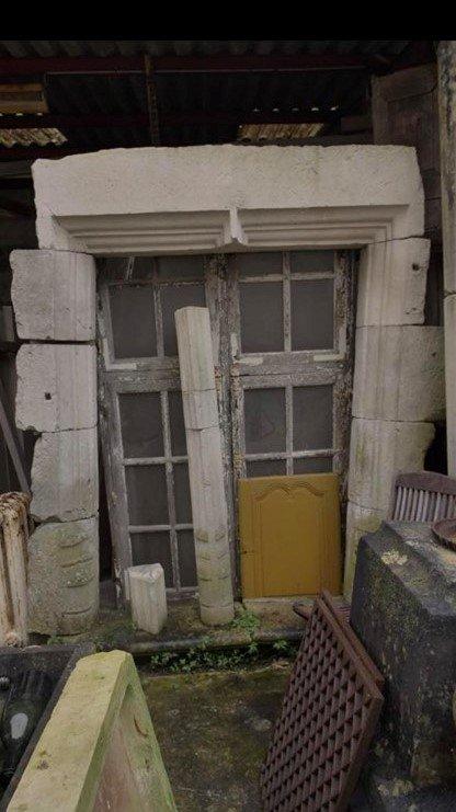 Fenêtre A Meneau En Pierre