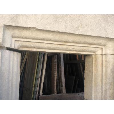 Petite Fenêtre A Meneau En Pierre, Renaissance d'époque