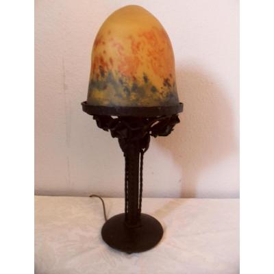Lampe Art Deco En Pâte De Verre Et Fer Forgé