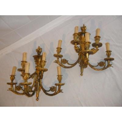 Grandes Paires d'Appliques à 5 Lumières de Style Louis XVI En Bronze Doré