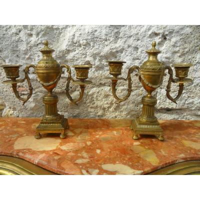 Paire De Chandeliers En Bronze Doré De Style  Louis XVI