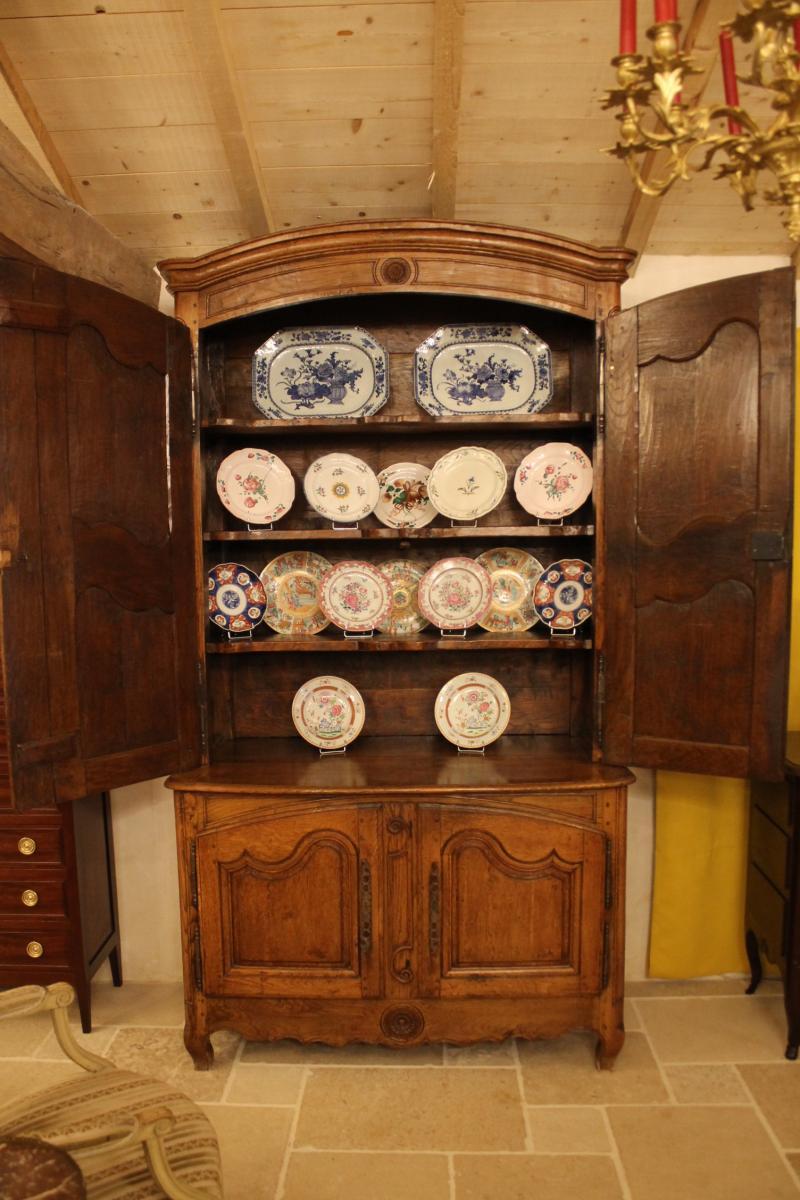 Petit buffet deux corps d'époque Louis XV