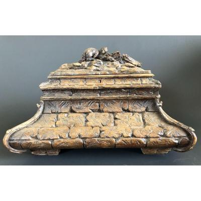 Large Black Forest Box In Carved Wood - Late Nineteenth