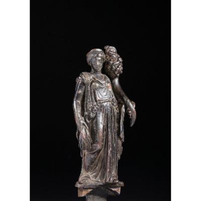 Statuette Romaine En Bronze Figurant Fortuna
