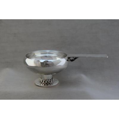 Saucière Art Déco en métal argenté par Jean Després (1889-1980)