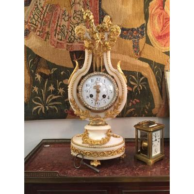Pendulum Lyre, Ht 48.