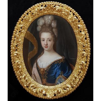 Portrait d'Une Femme Représentée En Déesse Minerve Vers 1700