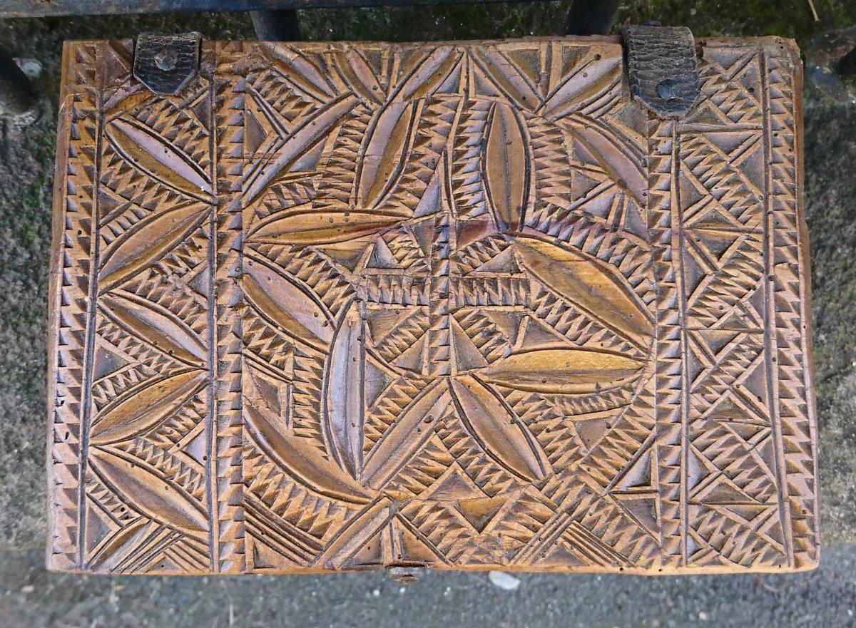 Coffret Art Populaire Auvergnat Sculpté-photo-1