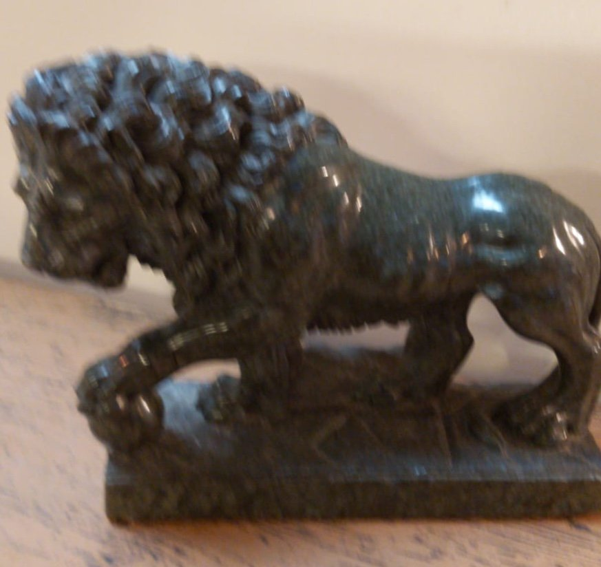 « Lion Médicis » - Sculpture En Marbre