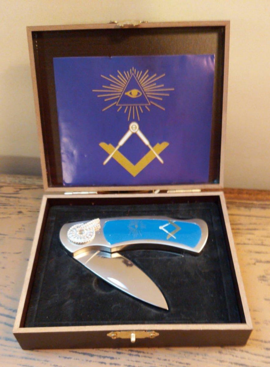 Couteau à l'emblème maçonnique