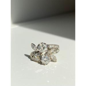 """Jolie bague """"Toi & Moi"""" en or gris et diamants"""