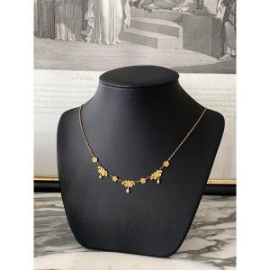 Collier draperie en or avec perles des années 1900