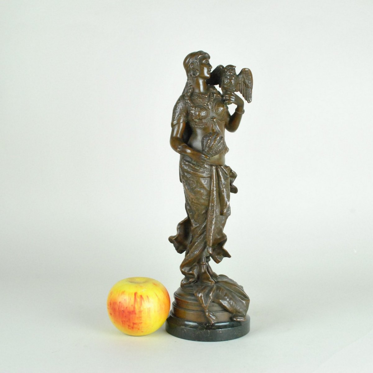 Sculpture Oriental Woman With Parrot, 19th Century