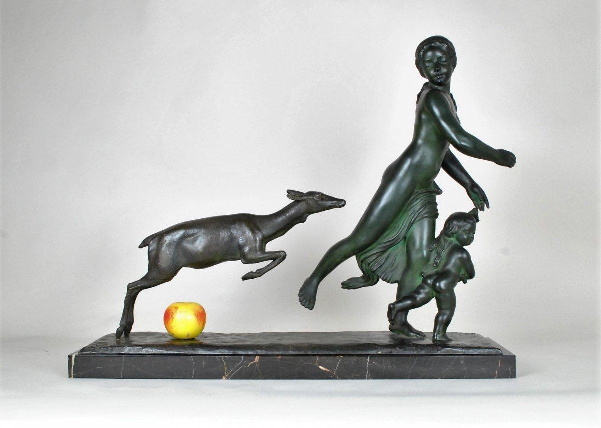 G Gori, Grand Bronze Femme Courant Avec Une biche, XXème Siècle