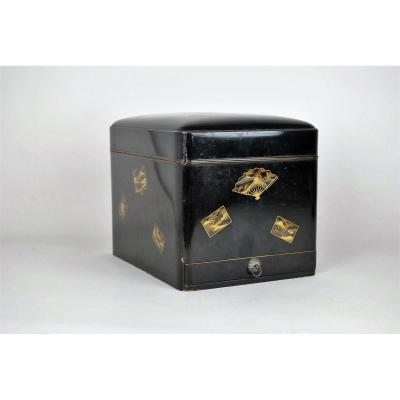 Black And Gold Lacquer Box, Japan, Signed, XIXth Century