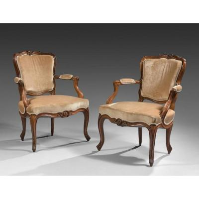 Attributed To Nogaret - Pair Of Armchairs In Walnut - Louis XV