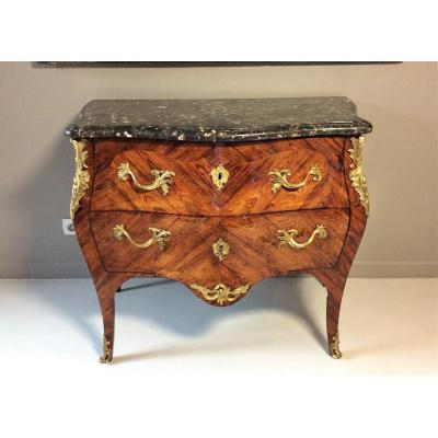 """Estampillée """"MACRET"""" - Elégante commode en placage de bois de violette - Epoque Louis XV - 18èm"""