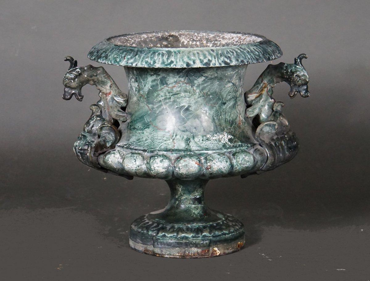 Vase en fonte émaillé en decor de faut marbre, France, 19ième Siécle