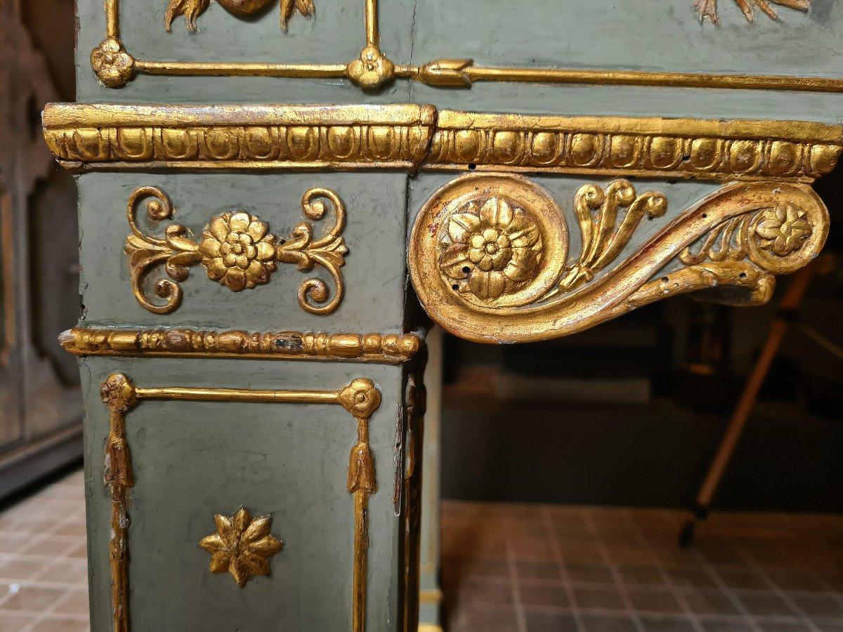 Rare table de milieu, en Laque vert et doré, Lucca Vers 1810