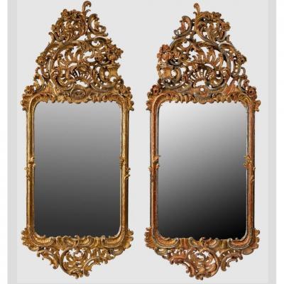 Paire Des Miroirs Sculptés Et Dorés Dans Le Style Roccoco, Franconie, 19ième