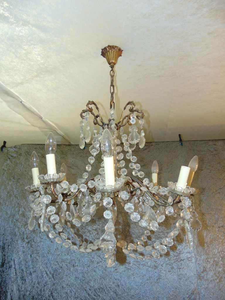 Drop Chandelier, Sold In The State. d'époque Napoleon III, XIX Century