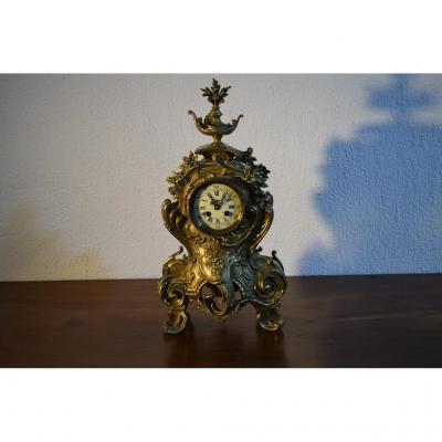 Pendule Style Louis XV En Bronze.