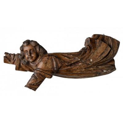 Sculpture En bois de Noyer. Grand Ange. Époque XVIIème. 70 cm.