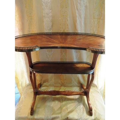 Table Rognon En Bois De Rose. Style Louis XVI