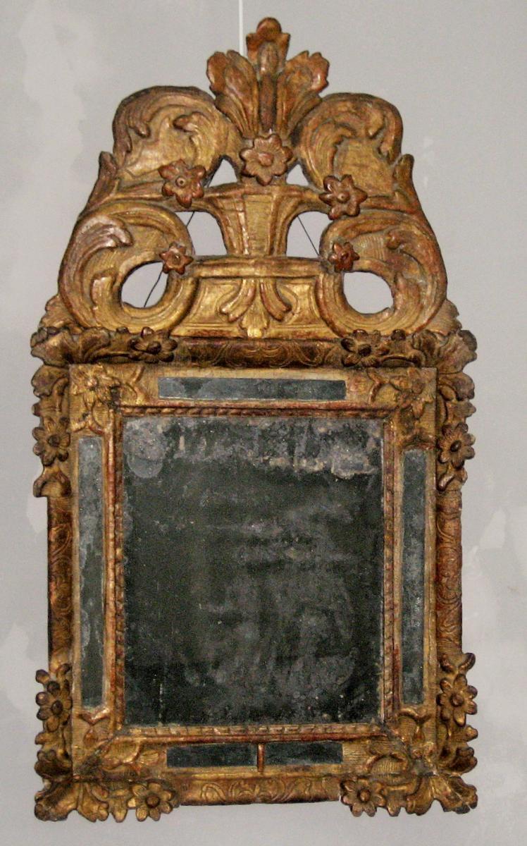 Miroir parecloses surmont d 39 un fronton bois dor for Miroir louis xiv