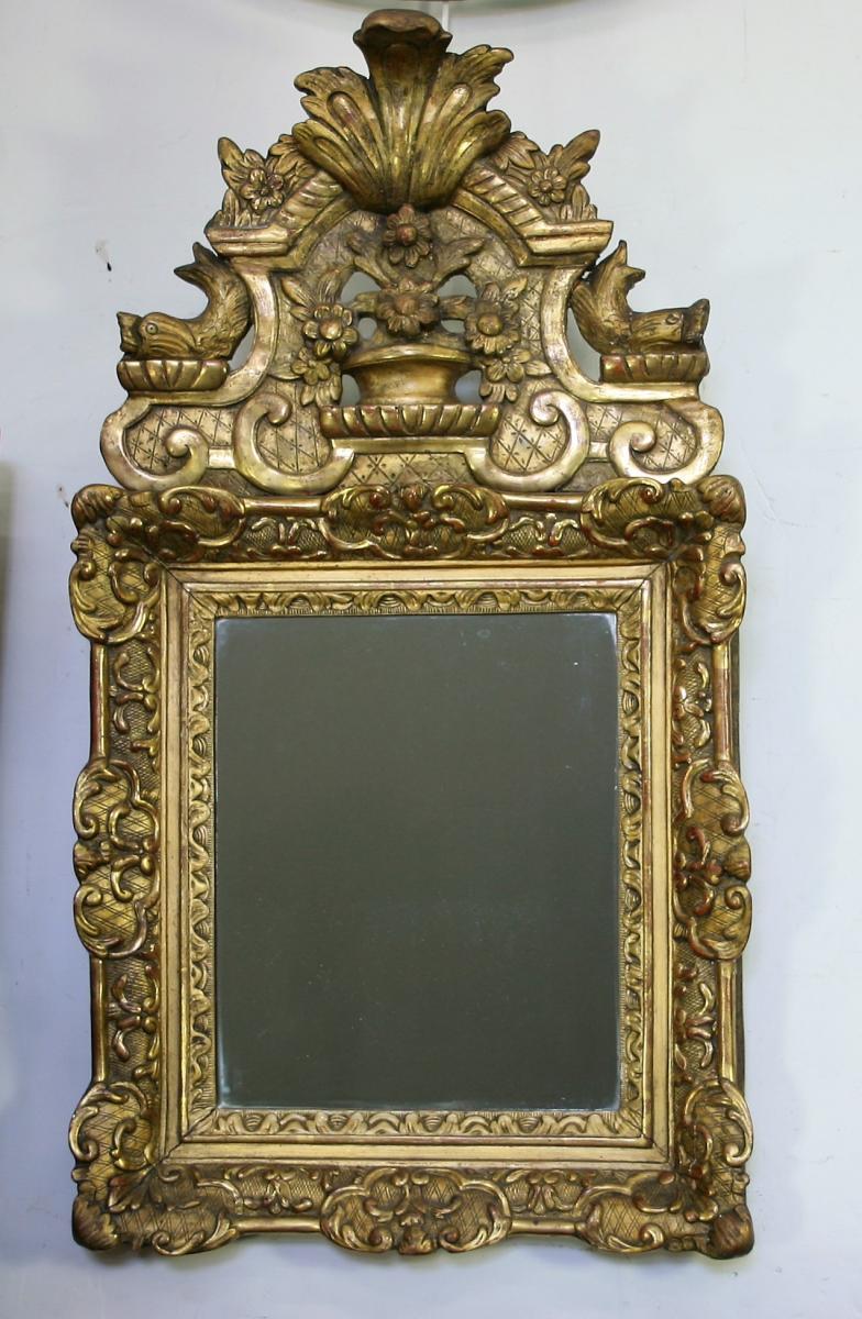 Miroir En Bois Et Stuc Doré d'époque Régence
