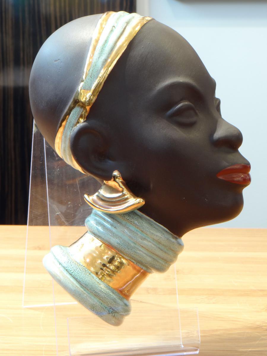 Goldscheider années 1950, profil africaniste figurant une jeune femme.