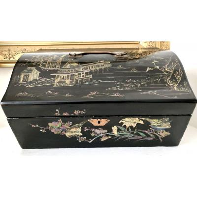 Japan, XIXth Century, Important Box Set Fans Lacquer Decor Nacre And Brass Marquetry