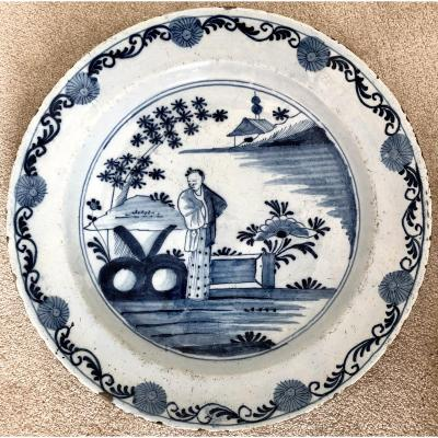 Delft, XVIIIth Century, Earthenware Dish Decor In Chinese In Shades Of Blue.