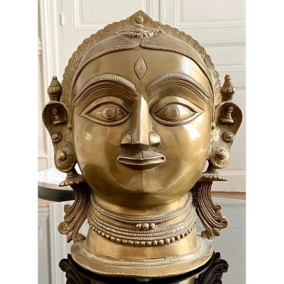 Inde, Milieu Du XXème Siècle, Importante Tête En Bronze De La Déesse Gauri.