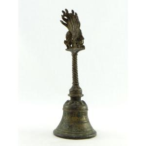 Inde, XIXème Siècle, Cloche Rituelle En Bronze Ornée Des Dieux Ganesh Et Hanuman.