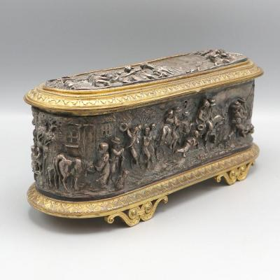 Important Jewelry Box In Embossed Bronze L.oudry