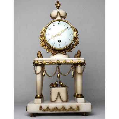 Horloge portique d'époque Louis XVI