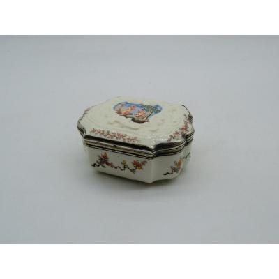 Soft Porcelain Snuffbox - Saint-cloud - Paris - XVIIIth
