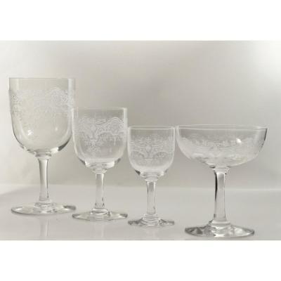 Set Of Engraved Crystal Glasses, Medici De Baccarat Model.