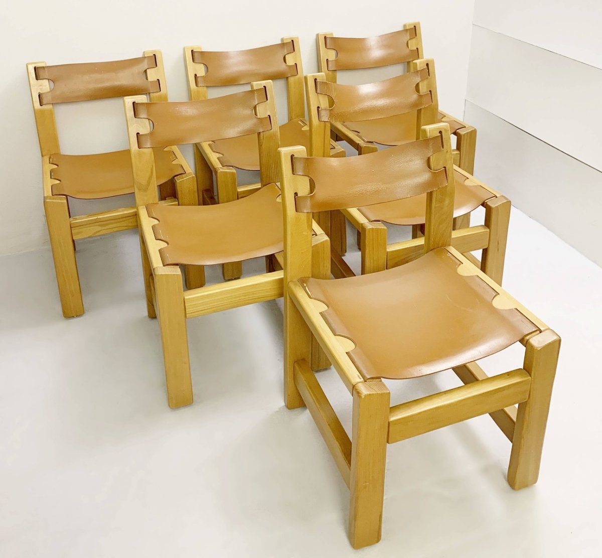 Suite Of 6 Chairs In Elm And Leather Way Pierre Chapo - 1960s