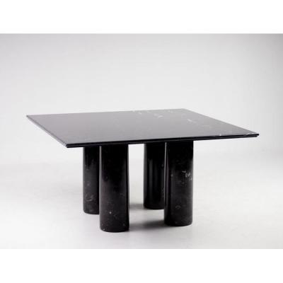 Table à dîner en marbre noir
