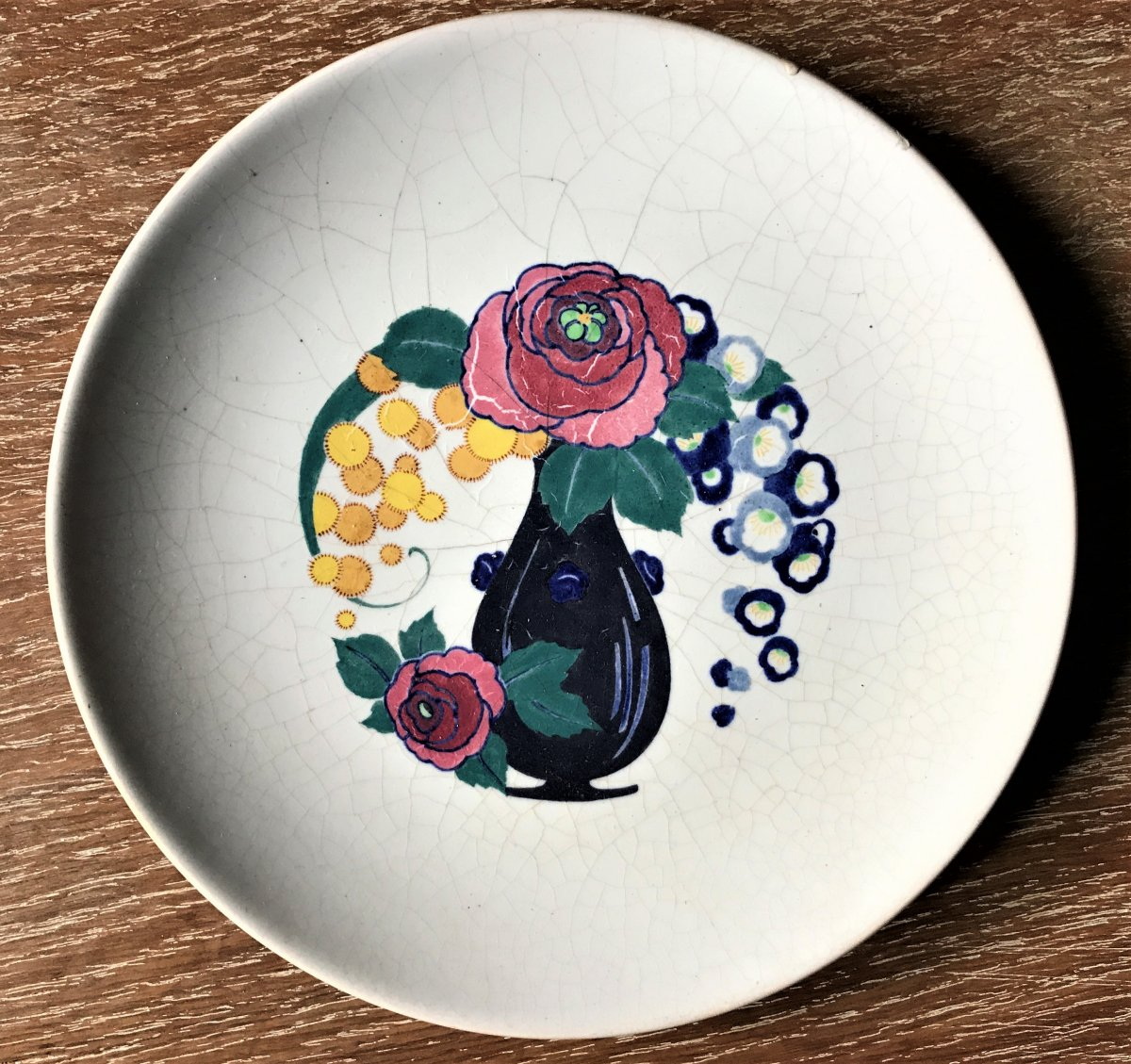 Montières Samara: Plate With Flowers Decor And White Crackle Vase