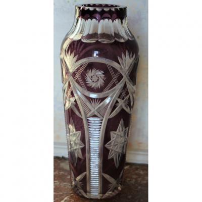 Saint Louis, vase en cristal taillé Overlay améthyste