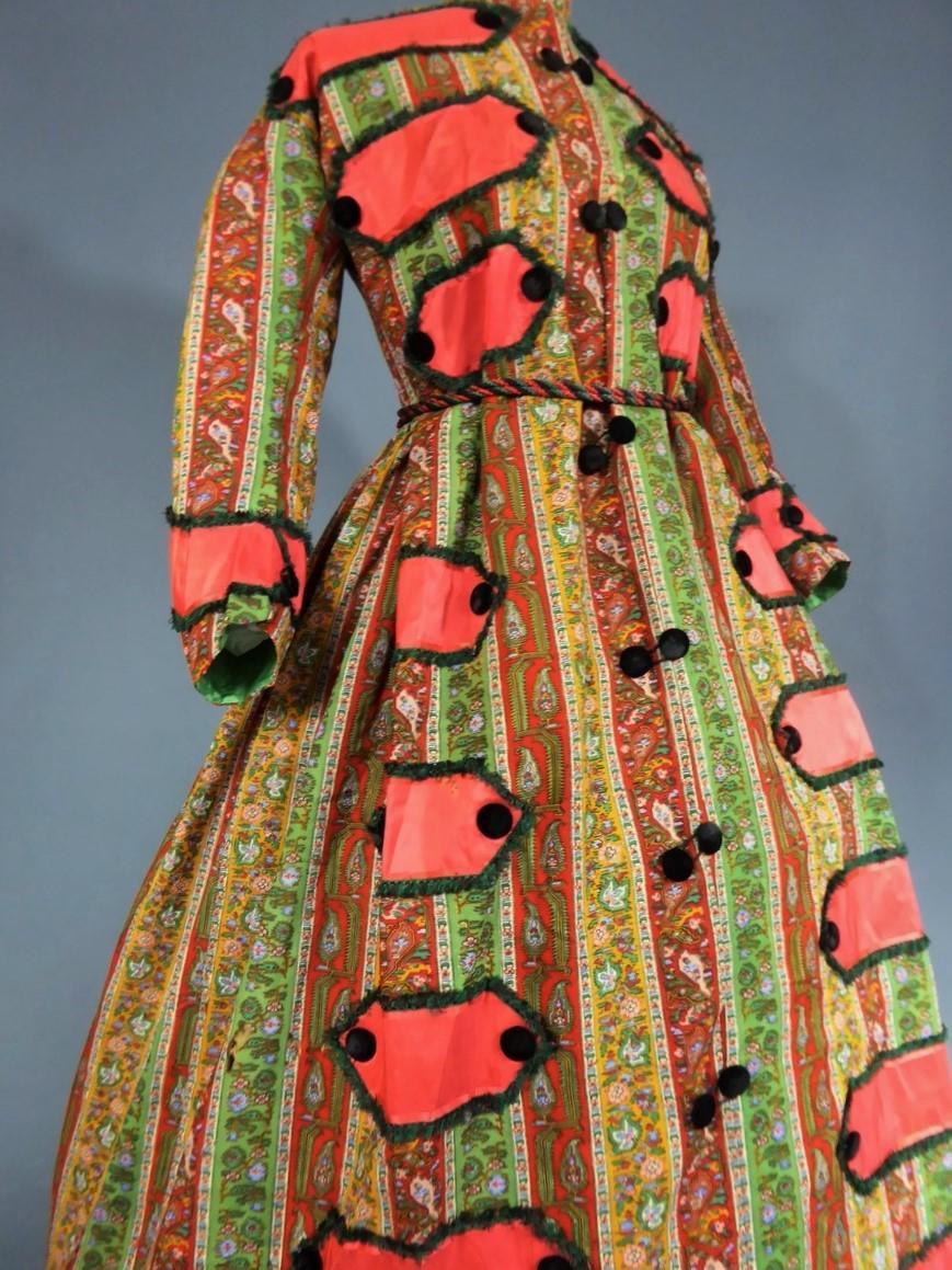 Robe d'intérieur à Crinoline En étamine  Imprimée Vers 1860