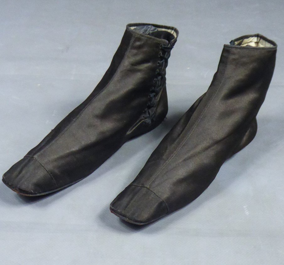 Pair Of Silk Ankle Boots - Romantic Period Circa 1820/1840