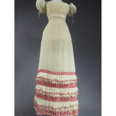 Restoration Dress In Embroidered Cotton Yarn Circa 1813/1820
