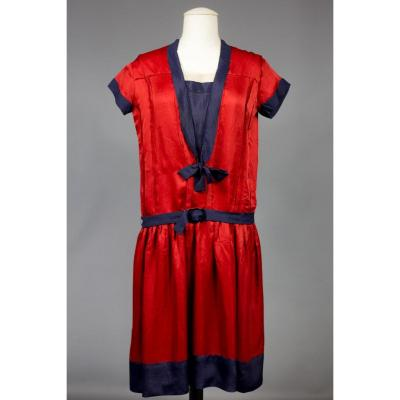 Robe Patriotique En Satin Et Crêpe De Soie Circa 1920