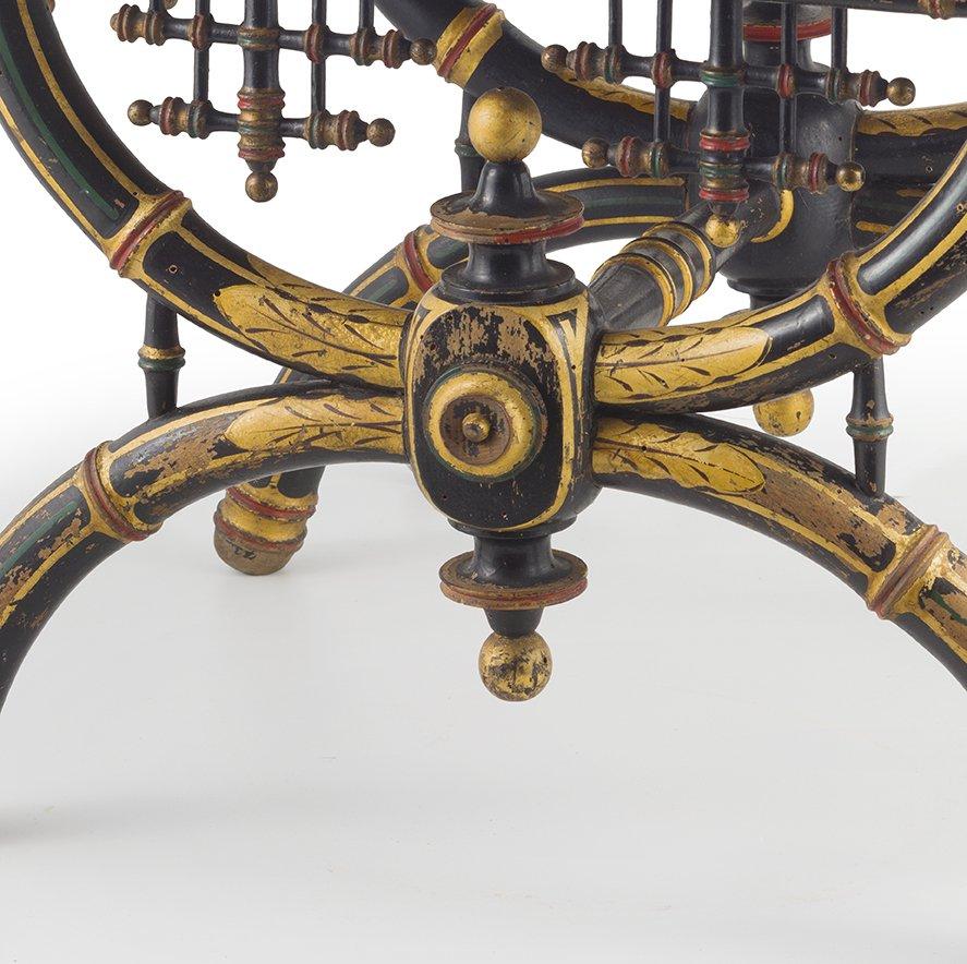 Tabouret laque' et dore'  , Neogothique