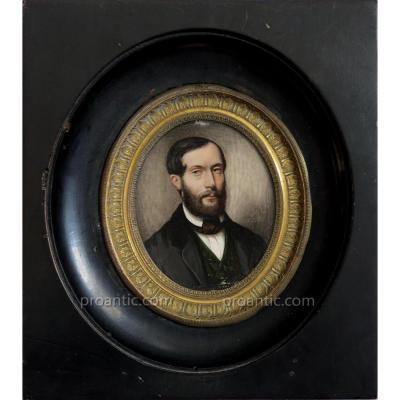 Miniature sur ivoire signée ALFRED VERNET et datée 1851, Portrait d'un homme élégant