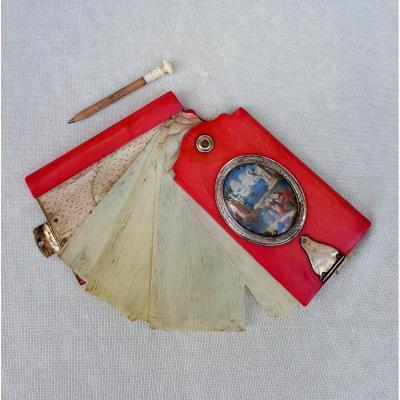 Carnet ivoire teinté rose, XVIIIe siècle, miniatures